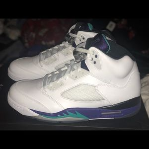 "Air Jordan V ""Grapes"""